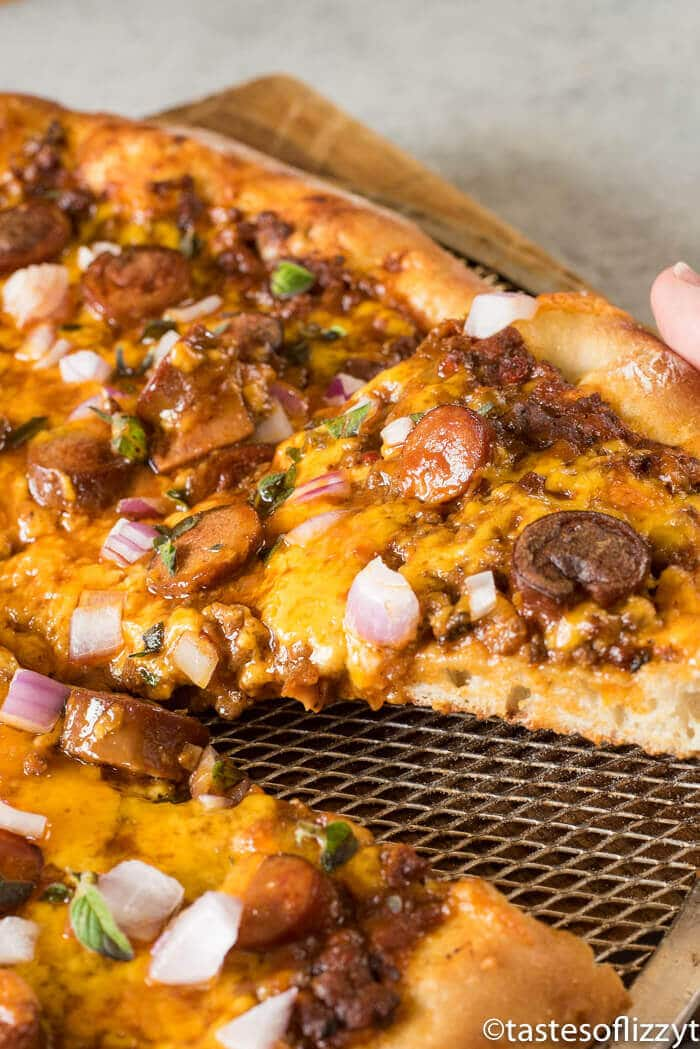 chili-cheese-pizza