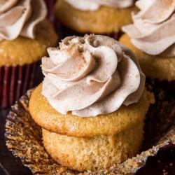 Cinnamon Cupcakes with Cinnamon Buttercream