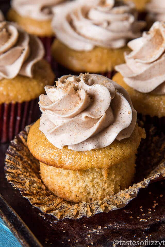 cinnamon-cupcakes-with-cinnamon-buttercream-recipe