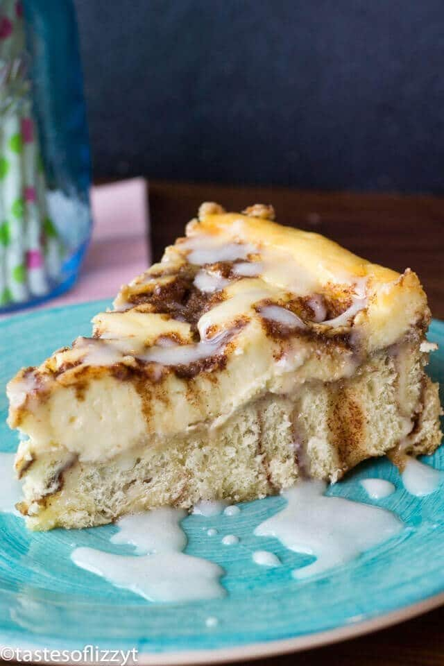 Cinnamon Roll Cheesecake Recipe {with Vanilla Powdered Sugar Glaze}