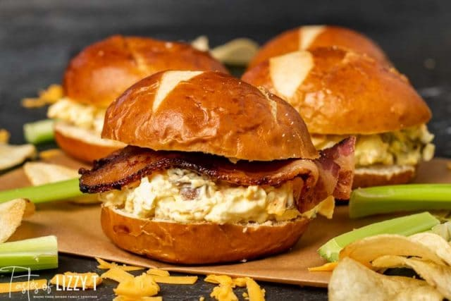 An egg salad sandwich on a bun