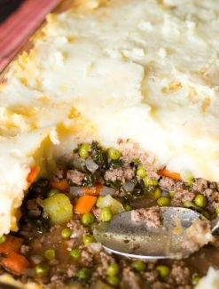shepherd's pie with mashed potatoes on top