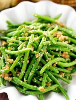 italian green beans in a bowl