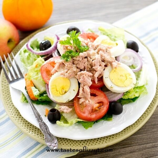 plate of paleo tuna salad