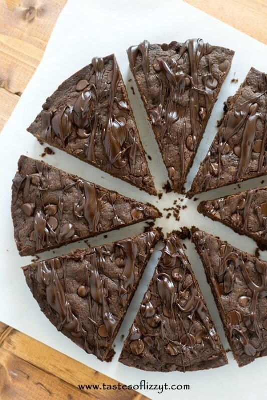 Mocha Chocolate Chip Cookie Pie Recipe - Tastes of Lizzy T