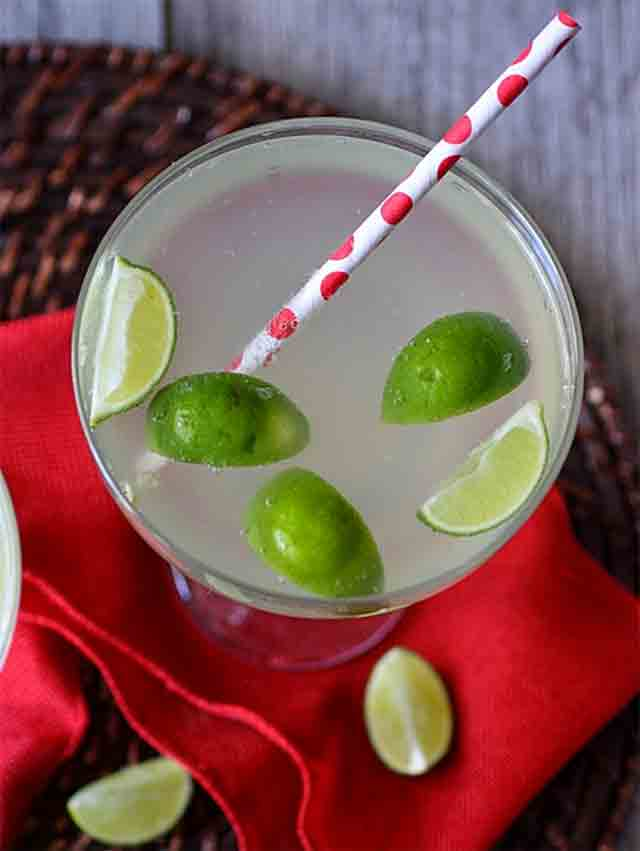 ginger lime soda in a glass