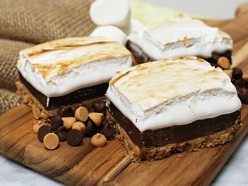 Peanut Butter S'mores Bars by The Crafting Foodie