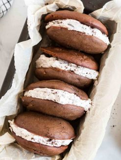 Set of 4 Oreo whoopie pies