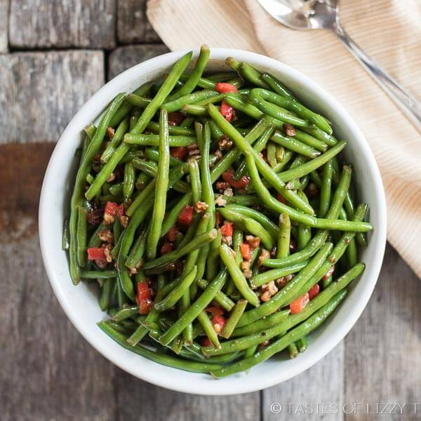 Christmas Green Beans with Toasted Pecans {Christmas Dinner Side Dish}
