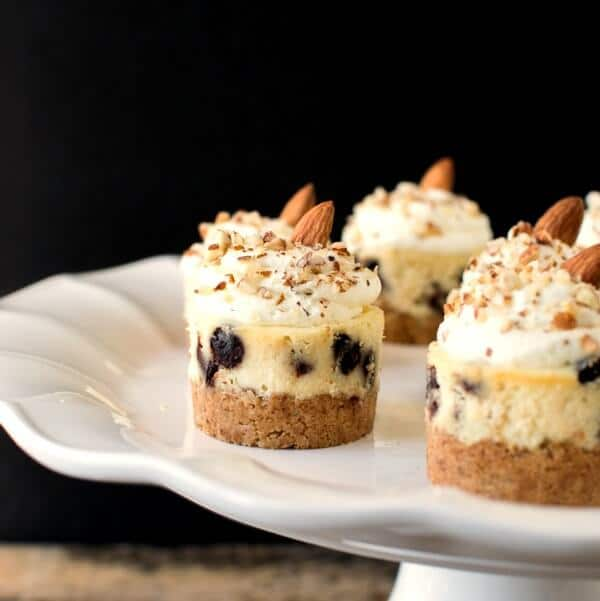 mini cheesecakes with almond crust