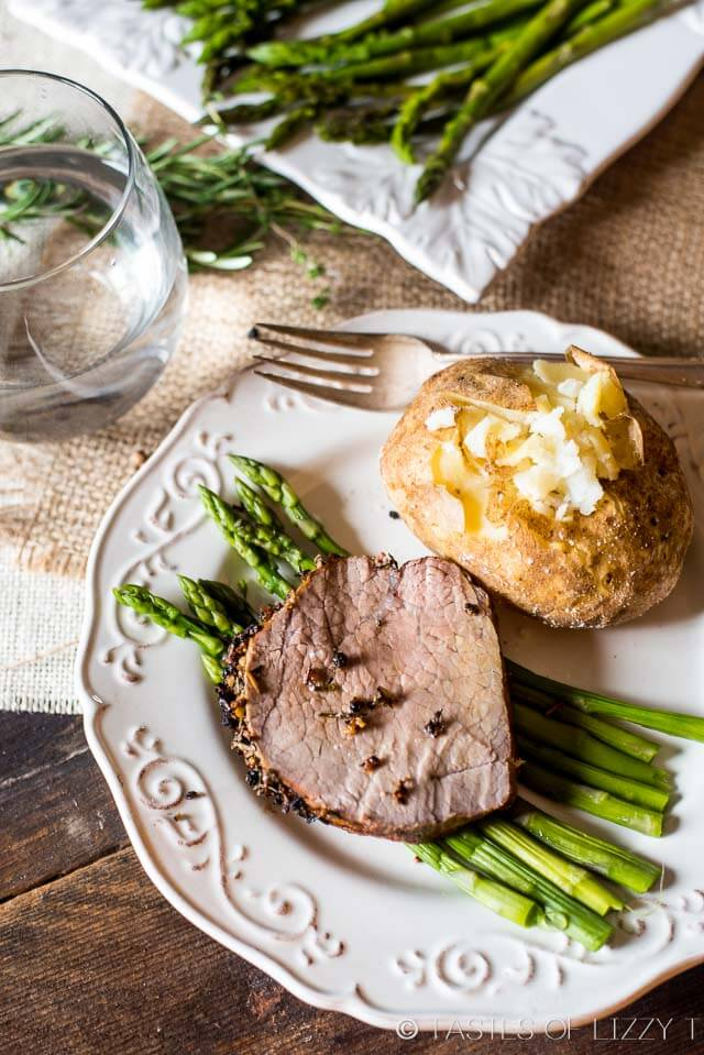 Don't be nervous to roast a nice cut of beef. Top a beef roast with garlic and fresh herbs top and follow these simple directions for an easy herb-crusted roast beef.