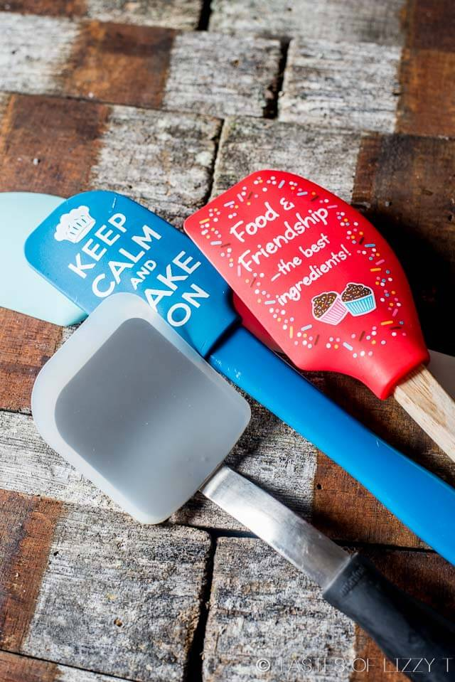 Christmas Gifts for Bakers {Kitchen Essentials to Make ...