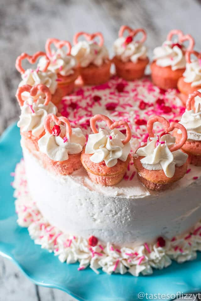Valentine cake easy strawberry flavored cake with mini for Valentine cake recipes with pictures