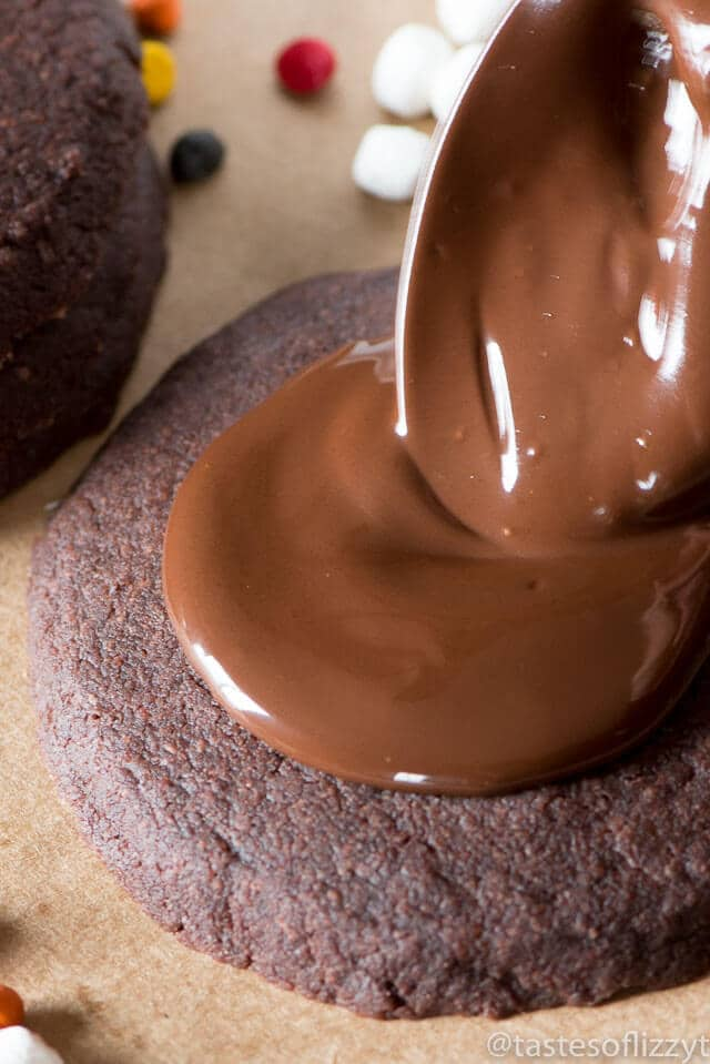 iced-chocolate-shortbread-cookies-recipe-14