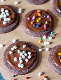 iced-chocolate-shortbread-cookies-recipe