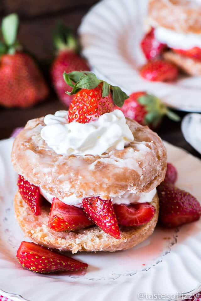 Donut Strawberry Shortcake {Easy Strawberry Shortcake Recipe}