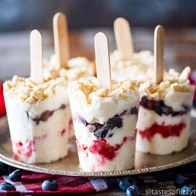 I've given the classic creamsicle a dramatic upgrade and stuffed it with fresh berries, marshmallow, Greek yogurt and golden Oreos. This simple creamsicle recipe is a crowd-pleaser!