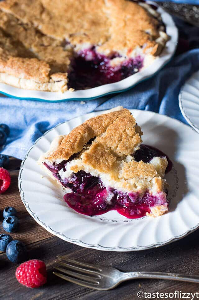 mixed-berry-cobbler-pie-7