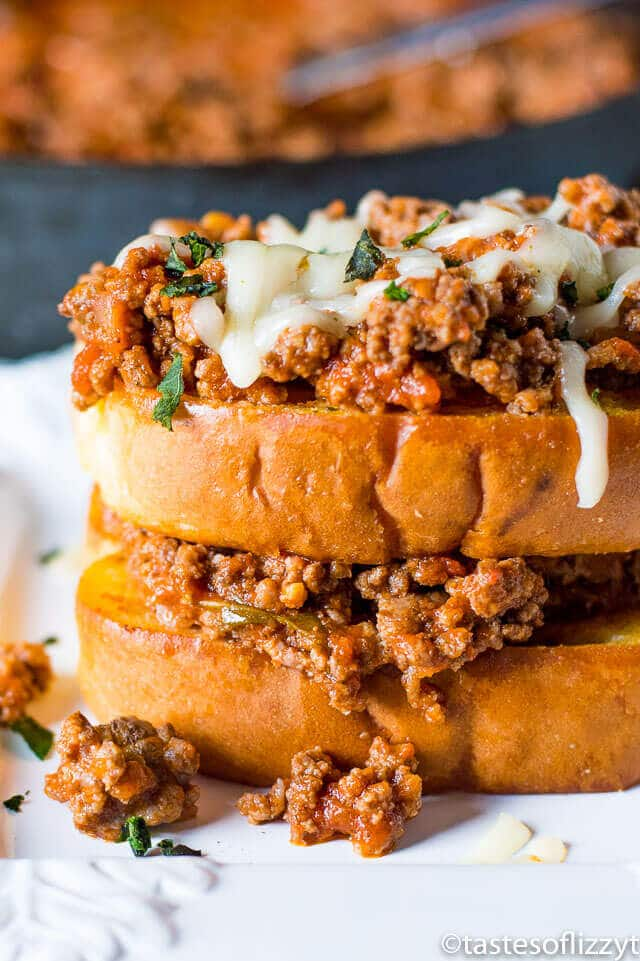 Italian Sloppy Joe Sandwiches on Garlic Toast {20-Minute Dinner Idea}