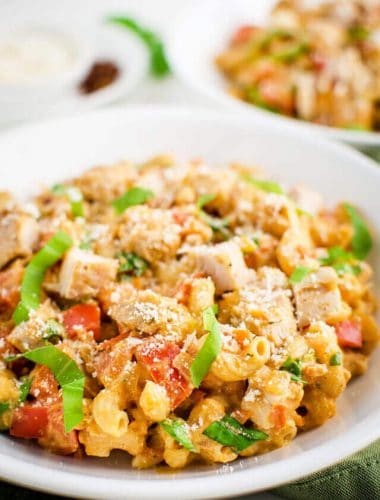 healthy-creamy-tomato-pasta-with-chicken