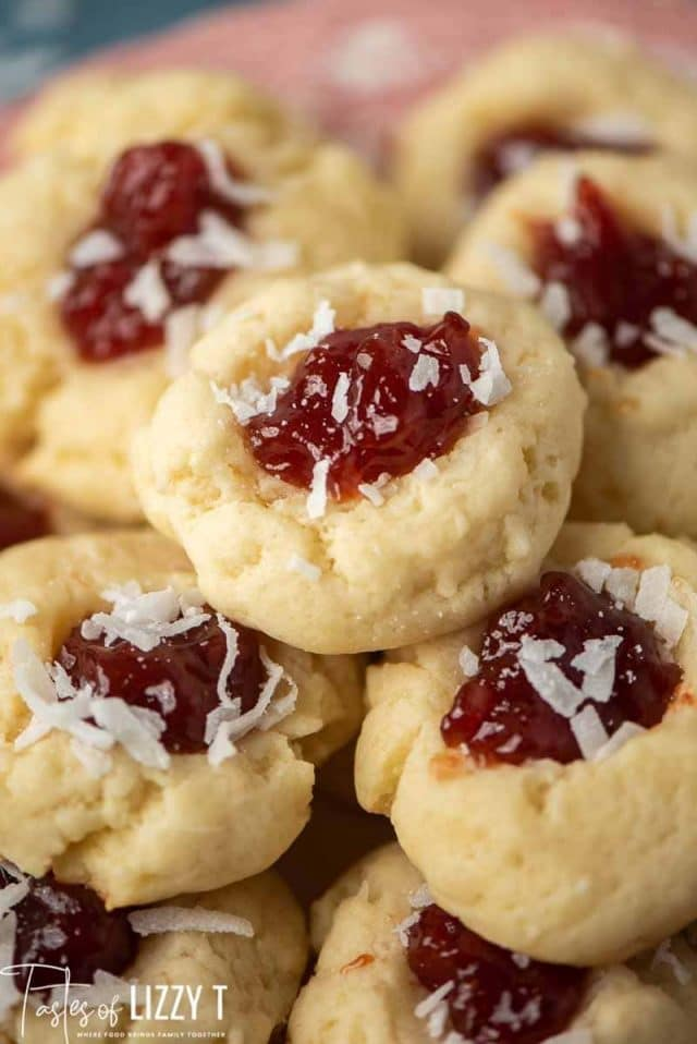 thumbprint cookies with guava berry filling