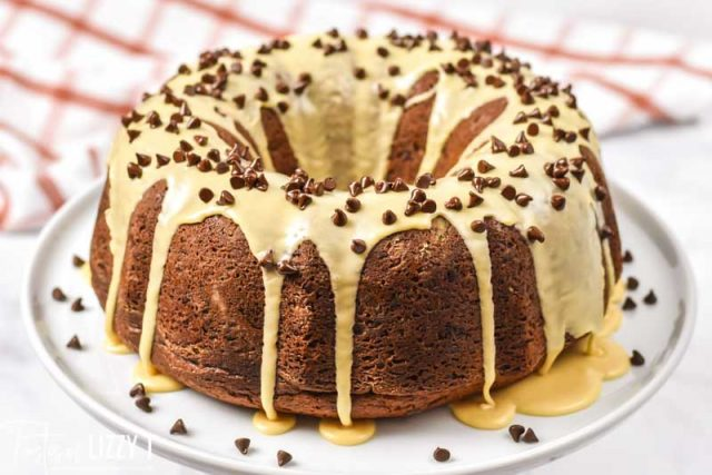 bundt cake with peanut butter glaze