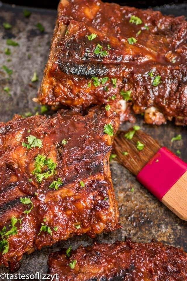 A close up of food, with bbq pork Ribs