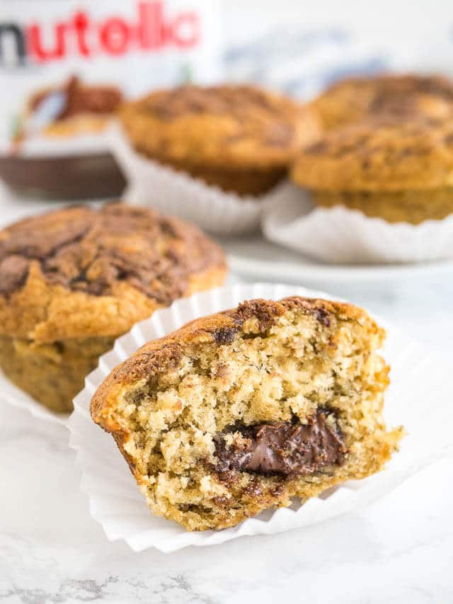 easy banana breakfast muffins stuffed with nutella