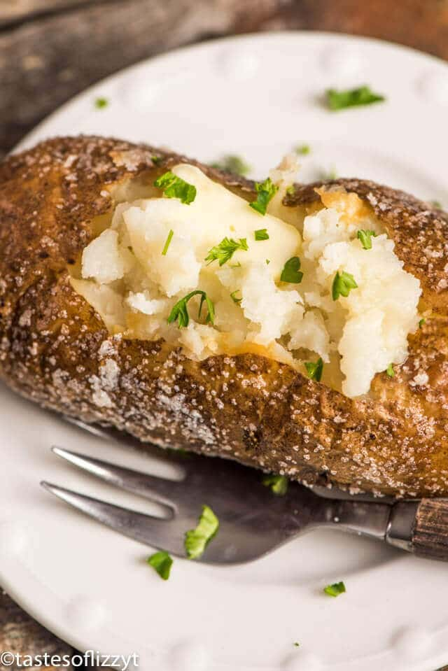 Oven baked potatoes how to make crispy skin baked potatoes ccuart Images