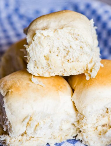 dinner rolls with mashed potatoes