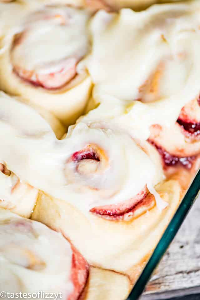 raspberry filled sweet rolls with cream cheese frosting