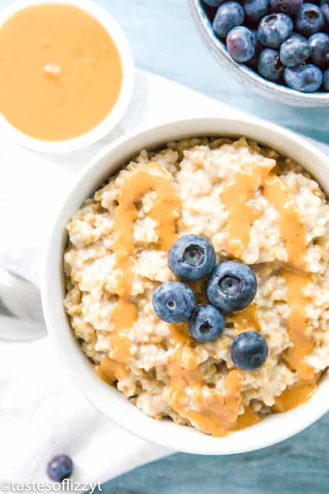 easy steel cut oats in a bowl