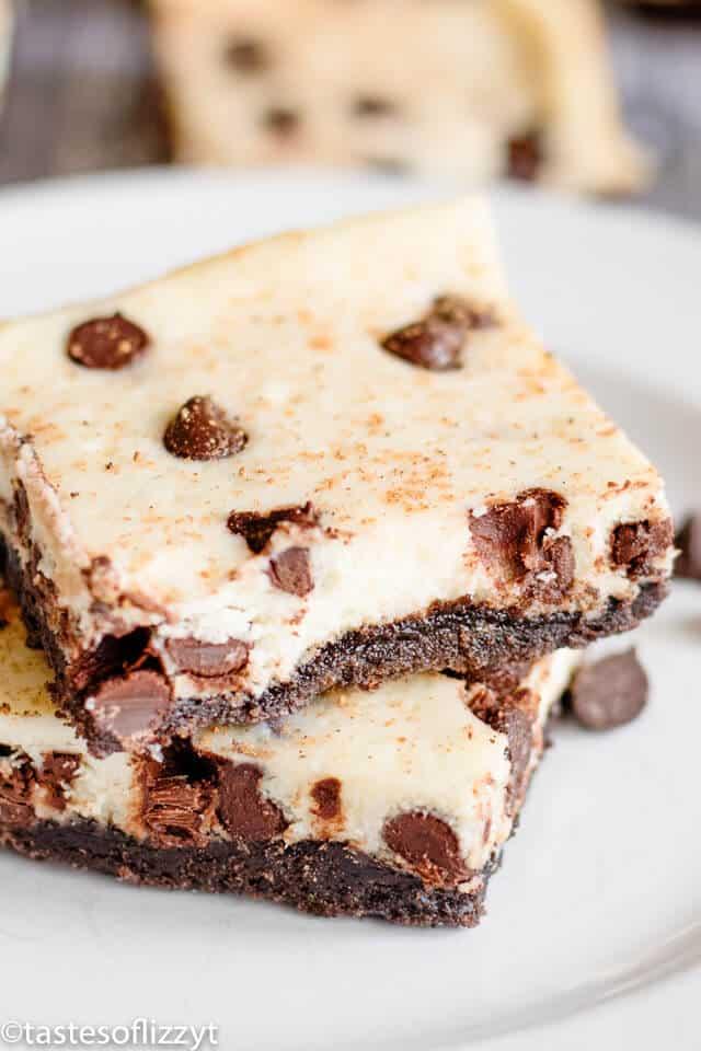 Chocolate Chip Eggnog Bars Recipe with Oreo Crust