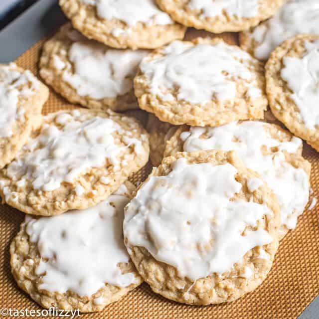 A plate full oatmeal cookies