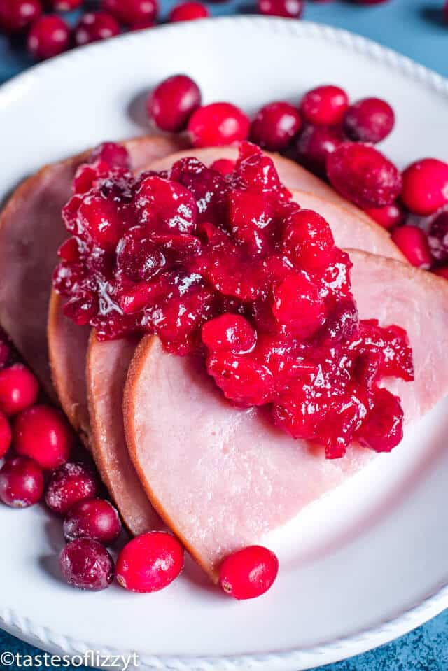 sliced ham with cranberry sauce