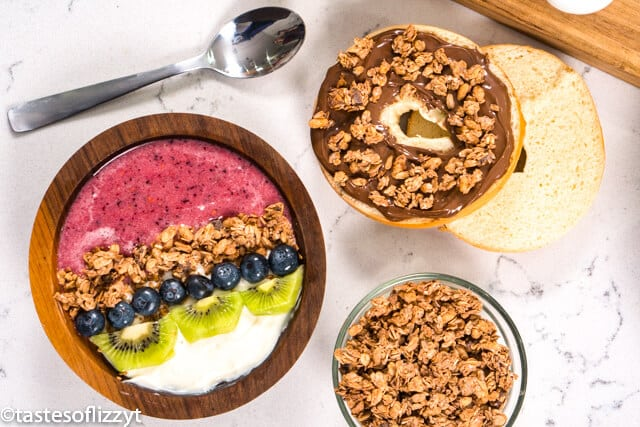 smoothie bowl and bagel with granola