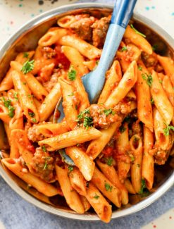 One Pot Sausage Pasta with spaghetti sauce