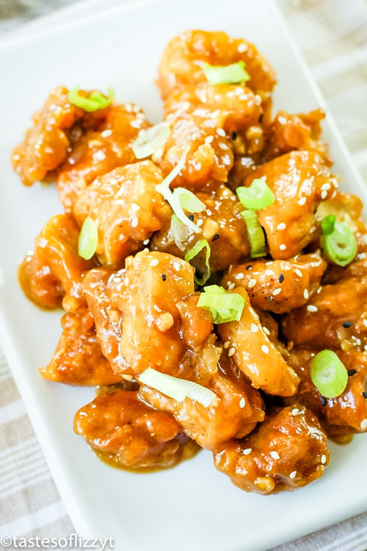 A plate of general tso\'s chicken