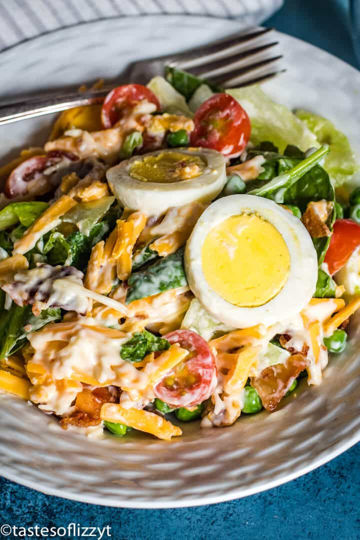 salad with eggs, tomatoes and cheese