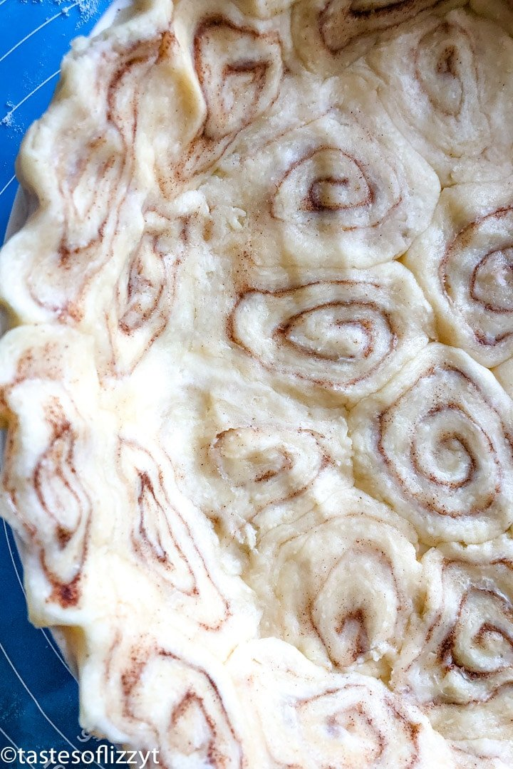 Cinnamon Roll Pie Crust