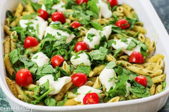 casserole with pasta, pesto and tomatoes