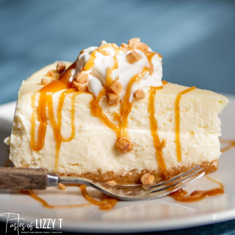 cheesecake with caramel sauce