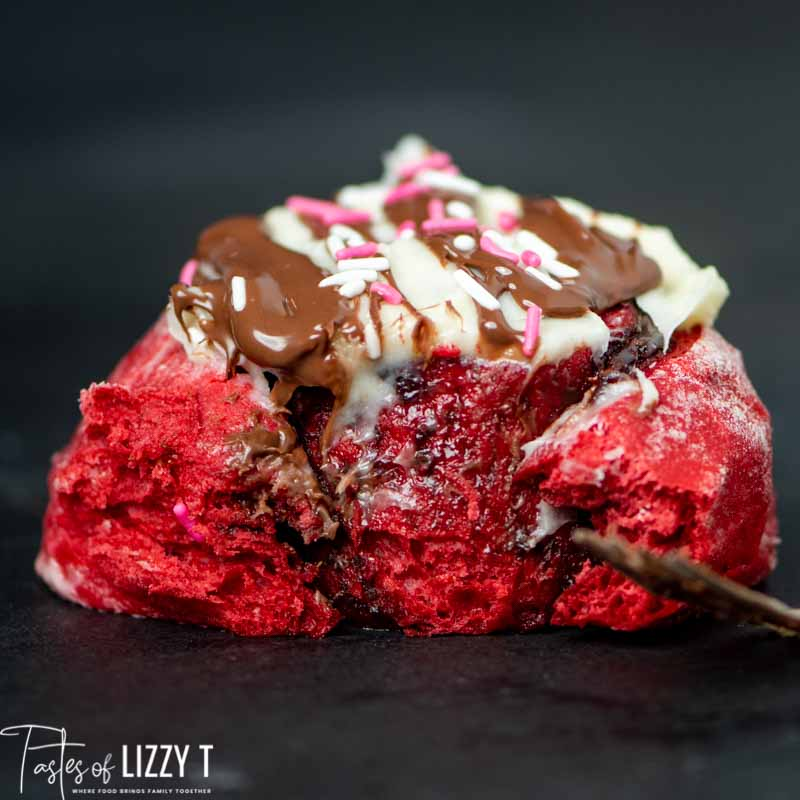 red velvet nutella sweet rolls