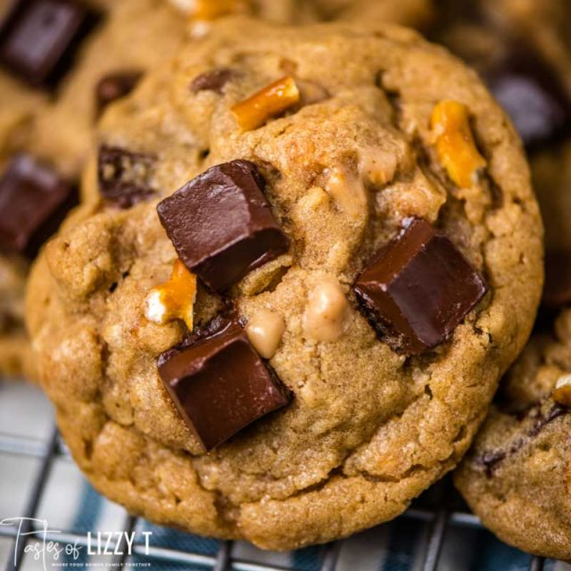 peanut butter chunker cookies