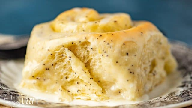 lemon poppy seed sweet roll on a plate
