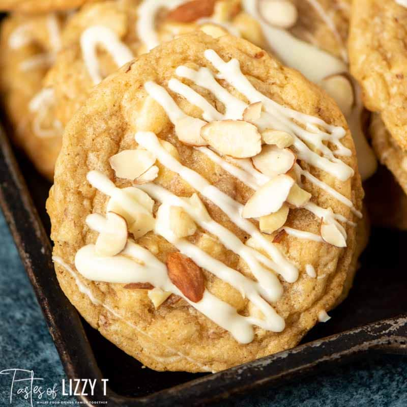 white chocolate drizzled cookie with almonds