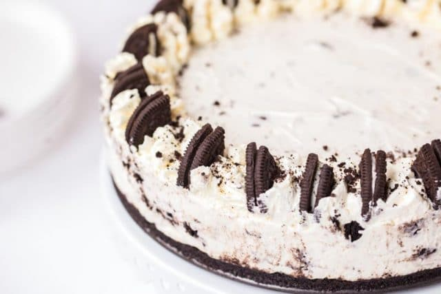 oreo cheesecake on a plate