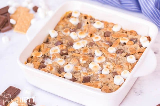 baking pan with s'mores blondies