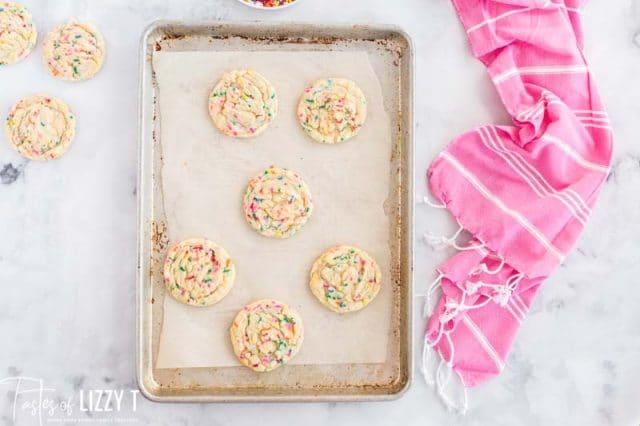 baked funfetti cookies