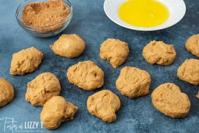 14 balls of pumpkin dough for rolls